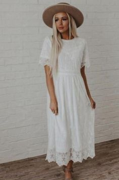 🎩😵😎️👠️🥰👟🥿. Modest Dresses, Modest Outfits, Modest Fashion, Cute Dresses, Midi Dresses, Denim Dresses, Dress Outfits, Lace Midi Dress, Floral Maxi Dress