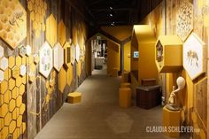 Claudia Schleyer   Consultant for Interactive Exhibits  http://www.claudiaschleyer.com/projects