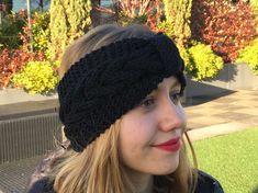 DIY Knitting: un bandeau pour les cheveux - tricot Bandeau Crochet, Crochet Headband Free, Diy Headband, Headbands, Bonnet Crochet, Knitted Hats, Crochet Hats, Baby Corner, Bonnets