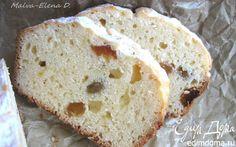 Творожный кекс. мука пшеничная 150 г масло сливочное 75 г сахарный песок 165 г творог 9% 130 г изюм без косточек 50 г яйцо куриное 2 шт. разрыхлитель ½ ч. л. соль ½ ч. л. сахарная пудра 1 ст. л. масло оливковое 1 ч. л