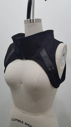 Crisiswear Variant Harness Designer Crop Accent Piece Industrial Tech Fashion Metal Leather Accents Quality Handmade in US Goth Moda Cyberpunk, Cyberpunk Aesthetic, Cyberpunk Fashion, Cyberpunk Clothes, Look Fashion, Diy Fashion, Fashion Outfits, Fashion Design, Fashion Goth