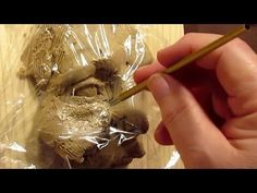 Sculpting with Lemon - Kens Tools - Revisited - Texturing Visit Nancy Reddin Kienholz as she discusses her late husband Ed Kienholz's work from 1972 entitled sculpting a female head in clay How to Shape Characters in Historical Fiction Sculpture Clay, Pottery Videos, Sculpture Art, Ceramic Sculpture Figurative, Anatomy Sculpture, Skin Textures, Plastic Art, Sculpting Clay