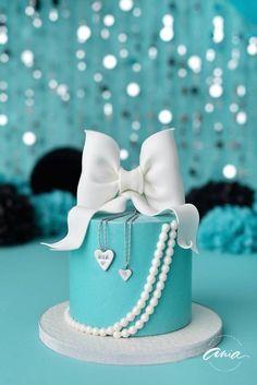 Tiffany OFF! Tiffany Themed Cake - Cake by MyPatisserieuk Tiffany Blue Cakes, Tiffany Blue Party, Tiffany Birthday Party, Blue Birthday Cakes, Tiffany Theme, Sweet 16 Birthday, Tiffany And Co, Tiffany Sweet 16, 21st Birthday Cake For Girls