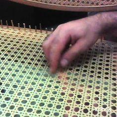 Arte em Palha (Itu - SP) Empalhador de Cadeiras