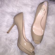 Tan Vince Camuto Open Toe Heels ✅ Brand New And Never Worn Vince Camuto Tan Open Toe Heels ✅ Size 8.5 - True to Size  ✅ Heel is 3 inches - perfect for work! Vince Camuto Shoes Heels