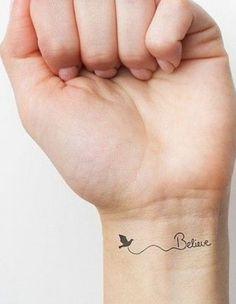 Fizemos uma seleção com 20 mini tatuagens. São discretas e, ao mesmo tempo incrementam o visual. Confira:
