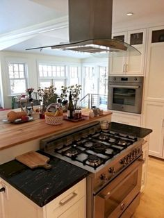 15 Kitchen Island With Stove For Home Look More Beautiful 15 Kitchen Island Wit… – diy kitchen decor on a budget Kitchen Island With Stove, Kitchen Stove, New Kitchen Cabinets, Old Kitchen, Kitchen On A Budget, Kitchen Countertops, Kitchen Decor, Kitchen Ideas, Design Kitchen
