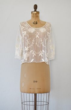 vintage inspired sheer lace boxy top. www.adoredvintage.com