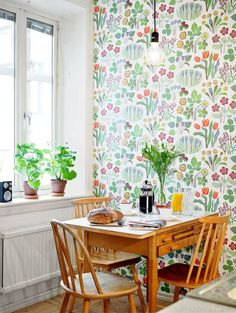 #Design #Styling Garden Wallpaper, Kitchen Wallpaper, Josef Frank Wallpaper, Cheery Wallpaper, Breezy Kitchen, Wallpapered Kitchen, Tenn Wallpaper, Kitchen