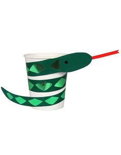 Bring your dream party to life with our selection of quality Go Wild Jungle Snake Party Cups designed by Meri Meri. Safari Party, Safari Jungle, Jungle Party, Jungle Snacks, Party Animals, Animal Party, Party Plates, Party Cups, Party Box