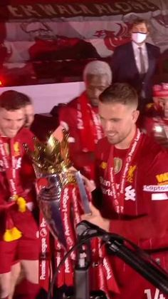 Liverpool Gifts, Liverpool Stadium, Liverpool Anfield, Liverpool Champions, Liverpool Players, Liverpool Football Club, Neymar Football, Messi Soccer, Football Gif