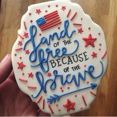 Maddie's Cookie Co Patriotic Sugar Cookies, No Bake Sugar Cookies, Patriotic Desserts, Iced Cookies, Cute Cookies, Royal Icing Cookies, Cupcake Cookies, Cookies Et Biscuits, Cupcakes