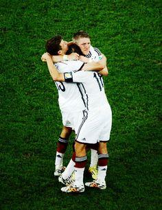 2014 WORLD CUP CHAMPIONS!! Danke Jungs! :')