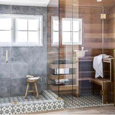 Douche sauna combo h - aussi nous avons arrondi une grande li . New Bathroom Ideas, Bathroom Inspiration, Small Bathroom, Bathroom Inspo, Bathroom Shelves, Bathroom Styling, Saunas, Sauna Shower, Shower Niche