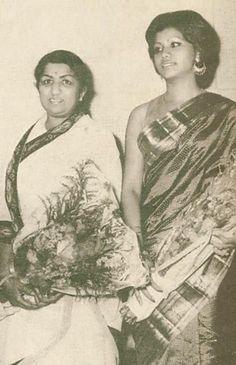 Bengali vocal artiste Runa Laila with Indian vocal artiste Lata Mangeshkar Bollywood Photos, Bollywood Stars, Rare Images, Rare Photos, Top Singer, Lata Mangeshkar, Indian Star, Asian Celebrities, Celebs