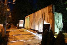 Mix of Glass And Concrete: Artistic Center by 9 Optiune Studio, Baia Mare, Romania Green Architecture, Architecture Design, Commercial Interiors, Landscape Photos, Interior And Exterior, Interior Design, Pavilion, Entrance, Concrete