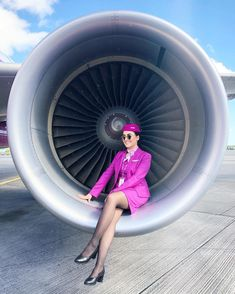 Flight Attendant Hot, Wow Air, Dublin Airport, Airline Uniforms, Make A Boat, Intelligent Women, 60s And 70s Fashion, Confident Woman, Cabin Crew