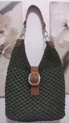 Sunburst flower purse - croche