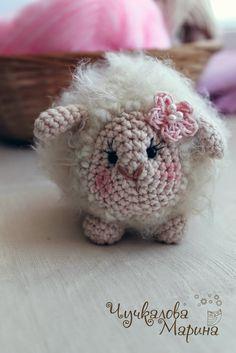 Lamb - Free Amigurumi Russian Pattern here: http://kumutushka.blogspot.ru/2014/10/blog-post_31.html