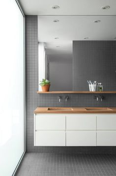 grey square tiles on wall, floor, white floating vanity with wooden top, large mirror, wooden floating shelves Wooden Floating Shelves, Floating Vanity, Floating Floor, Modern Bathroom, Small Bathroom, Master Bathroom, Masculine Bathroom, Classic Bathroom, La Shed Architecture