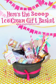 Do it Yourself Gift Basket Ideas for all Occassions - Heres The SCOOP Ice Cream Gift Basket Idea and FREE Printable Ice Cream Tags via Giggles Galore Summer Gift Baskets, Wine Gift Baskets, Christmas Gift Baskets, Diy Christmas Gifts, Basket Gift, Teacher Gift Baskets, Summer Gifts, Santa Gifts, Christmas Tree