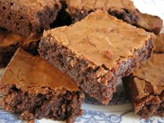 Cake pan giveaway http://www.terrislittlehaven.com/2011/06/20/low-fat-brownies/#comment-51999