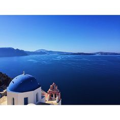 """My first day in Oia, Santorini. Fun fact: Many people think it's pronounced """"oy-a"""" but one of the locals informed us that it's actually """"ee-ya"""".  See this Instagram photo by @btbgoesplaces • 471 likes  #greece #travel #traveldiary #travel blogger #travel #traveler #worlddestinations #honeymoon #nautical #mediterranean #islands #greek #ocean #wanderlust #travelbug #europe #santorini #oia"""