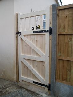 Diy gate tutorial pinterest backyard gates gate and backyard wooden gates wooden doors fence gate garden gate fencing gate ideas garden projects decks backyard solutioingenieria Image collections