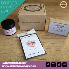 Our 3 item 'Forever Friends' box is sure to wow 😮 your closest friends 👭 • #besties #bestie #friendship #friendshipgoals #friendshipforever #foreverfriends #friends #mygirls #girlswholift #girls #girlsday #girlsnight #girlsnightin #girlsnightout #giftsforher #giftsforwomen #bff #bffs #bffgoals #love #laughter #loveyou