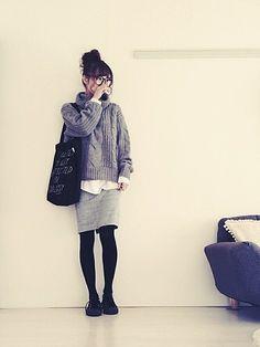 """この画像は「秋はシルエットで可愛さを狙う♡""""巻き""""テイストのある服で作る秋コーデ」のまとめの3枚目の画像です。"""