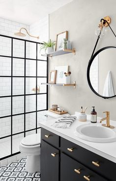 The forecast is brighter for this bath, and a whole familys morning routine, now that a practical, high-style shower has moved in.