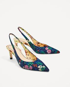 Image 3 of PRINTED SLINGBACK MID HEEL SHOES from Zara
