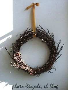 how to make a pussy willow wreath