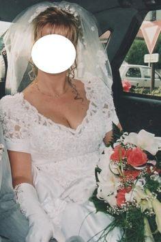 Robe de mariée  avec sa traîne et son voile d'occasion