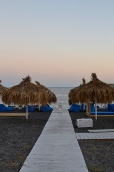 Perivolos Beach, Santorini