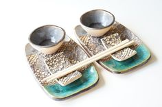 Sushi Serving Set Set for TwoCeramic Set Rustic Sushi by bemika click now for info. Pottery Tools, Slab Pottery, Ceramic Pottery, Sushi Set, Ceramic Plates, Ceramic Art, Sushi Dishes, Beginner Pottery, Ceramics Projects