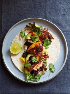 A Food, Good Food, Crunch Wrap, Mango, Tex Mex, Eating Well, Hot Sauce, Tacos, Dinner Recipes
