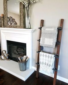 diy home decor Youre able to choose from the huge quantity of plans out there in the free DIY Ladder Quilt Rack woodworking plans online, which are provided by expert and professional wo Decor, Creative Home, Creative Home Decor, Diy Home Decor, Home, Interior, Home Diy, Diy Ladder, Diy Furniture