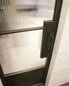 reeded glass and crittall Steel Windows, Steel Doors, Windows And Doors, Interior Barn Doors, Home Interior, Exterior Doors, Glass Bathroom Door, Crittal Doors, Reeded Glass