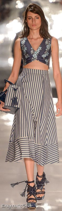 Colcci Spring Summer 2015 Ready-to-Wear § *Love this, not a huge fan of the shoes though.