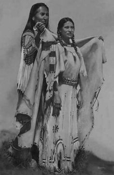 Women are sacred beings, let us honor them everyday Native American Wisdom, Native American Clothing, Native American Pictures, Native American Beauty, Indian Pictures, American Indian Art, Native American Tribes, Native American History, American Indians