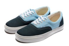 shops that sell vans shoes