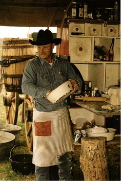 Kent Rollins, cowboy poet, humorist and chuck wagon cook