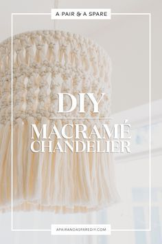 Macrame is on trend & a macrame light, be it a macrame cord, a macrame DIY or macrame chandelier are great options! 18 macrame lights to buy + 5 to DIY! Macrame Art, Macrame Projects, Macrame Knots, Macrame Modern, Modern Boho, Art Macramé, Luminaria Diy, Lucet, Crochet Diy