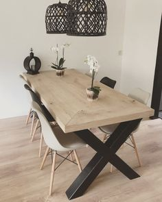 #eiken #eettafel #staal #industrieel  #woodchoice www.woodchoice.nl Dining Room Design, Modern Dining Room, Small Living Room Decor, Home, Interior Design Living Room, Traditional Dining Rooms, Large Dining Table, Dinner Room, Home Decor