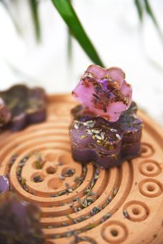 Learn how to make lavender flower soap bars in only 20 minutes (video available)