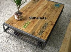 Industrial Pallet Coffee Table - Vintage Industrial Furniture Like this but taller and not on wheels (Diy Muebles Industrial) Pallet Furniture, Furniture Projects, Rustic Furniture, Furniture Making, Vintage Furniture, Recycled Furniture, Furniture Plans, Recycled Wood, Cheap Furniture