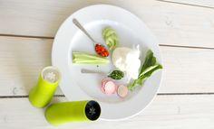 Śniadanie z Przedmiotem w Qchnia Artystyczna - twarożek by Qchnia Artystyczna i młynki do soli i pieprzu Tree Trunks by Nuance - dostępne na Fabrykaform.pl