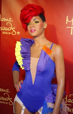 Madame Tussaud's Wax Museum Berlin Rihanna Famous Celebrities, Celebs, British Royal Family Members, Wax Museum, Rihanna Style, Madame Tussauds, Swag Style, Cute Images, Fashion Beauty