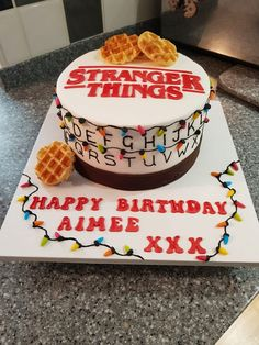 Stranger things cake - New Ideas Stranger Things Aesthetic, Eleven Stranger Things, Stranger Things Netflix, 13 Birthday Cake, 11th Birthday, Stranger Things Halloween, Cute Cakes, Party Cakes, Sweet 16